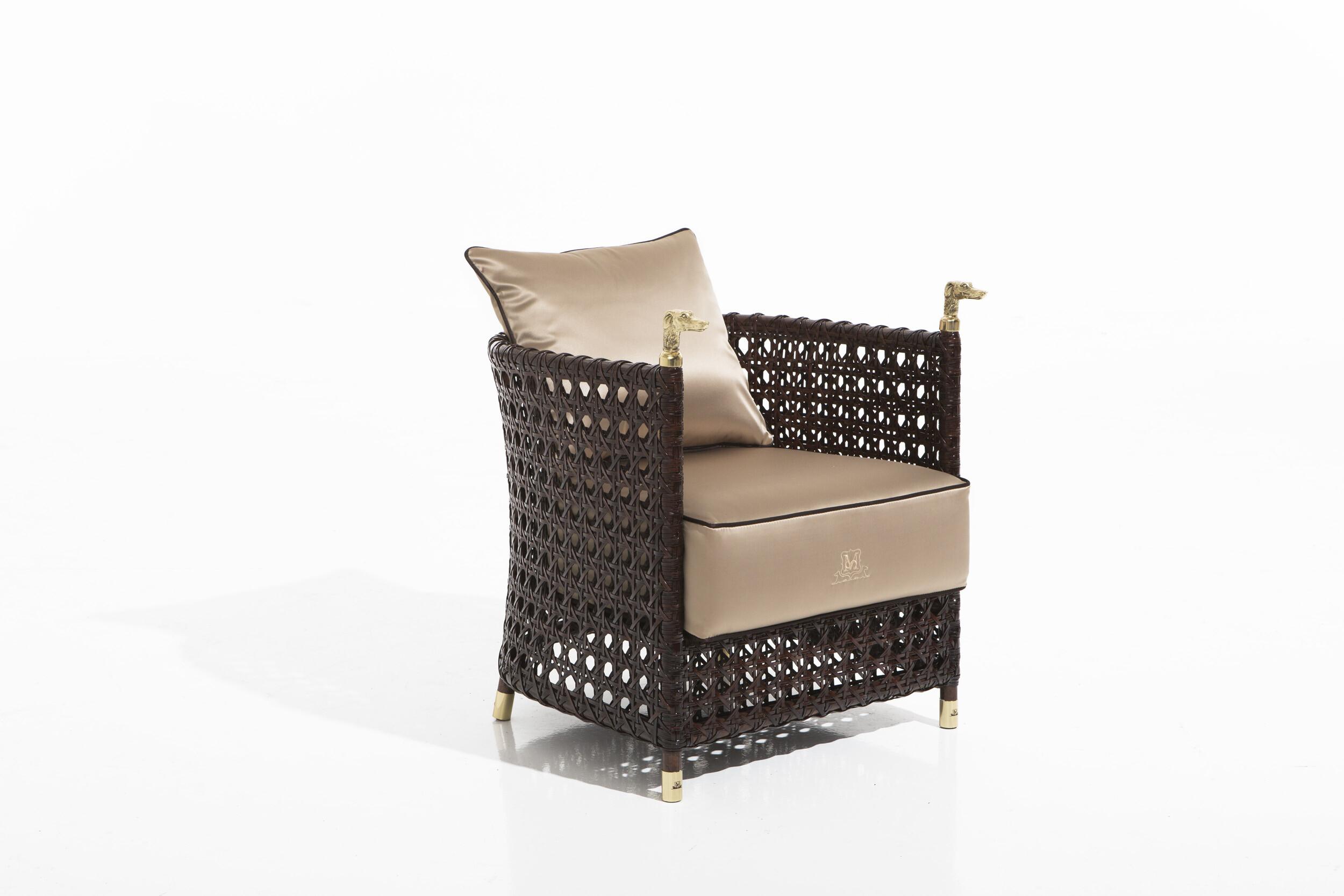 Shaula armchair
