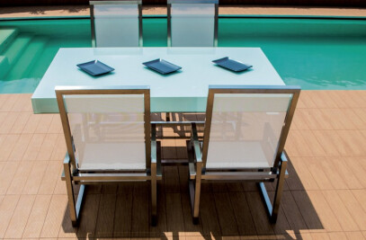 QUADRA - Table