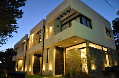 Neptuno Houses