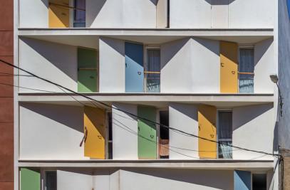 8 casas y 3 patios