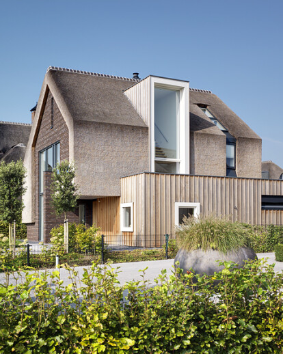 RESIDENTIAL VILLA WITH THATCHED ROOF