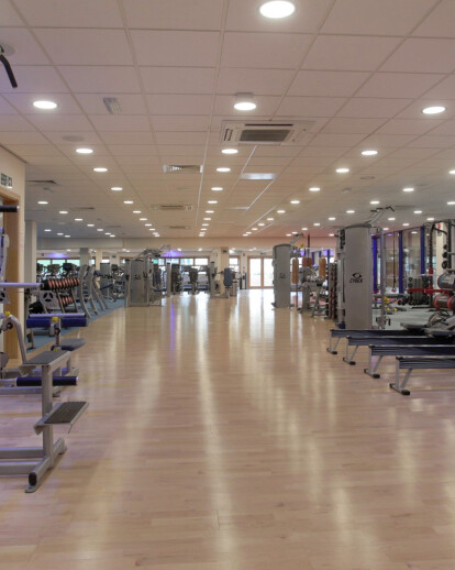 Kährs sports system specified by Reflex at top-ranking College