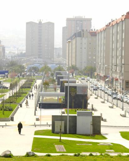 Underground parking and public Plaza Luis Seoane