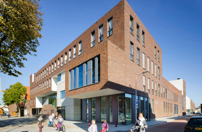 MULTIFUNCTIONAL COMMUNITY SCHOOL ZUIDERKWARTIER