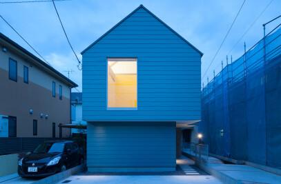 House in Tsurumaki