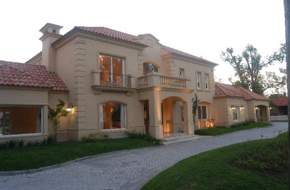 Romantic House in San Diego Country Club, Buenos Aires Province