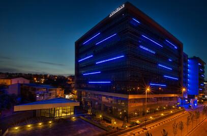 Akplaza Commercial Center