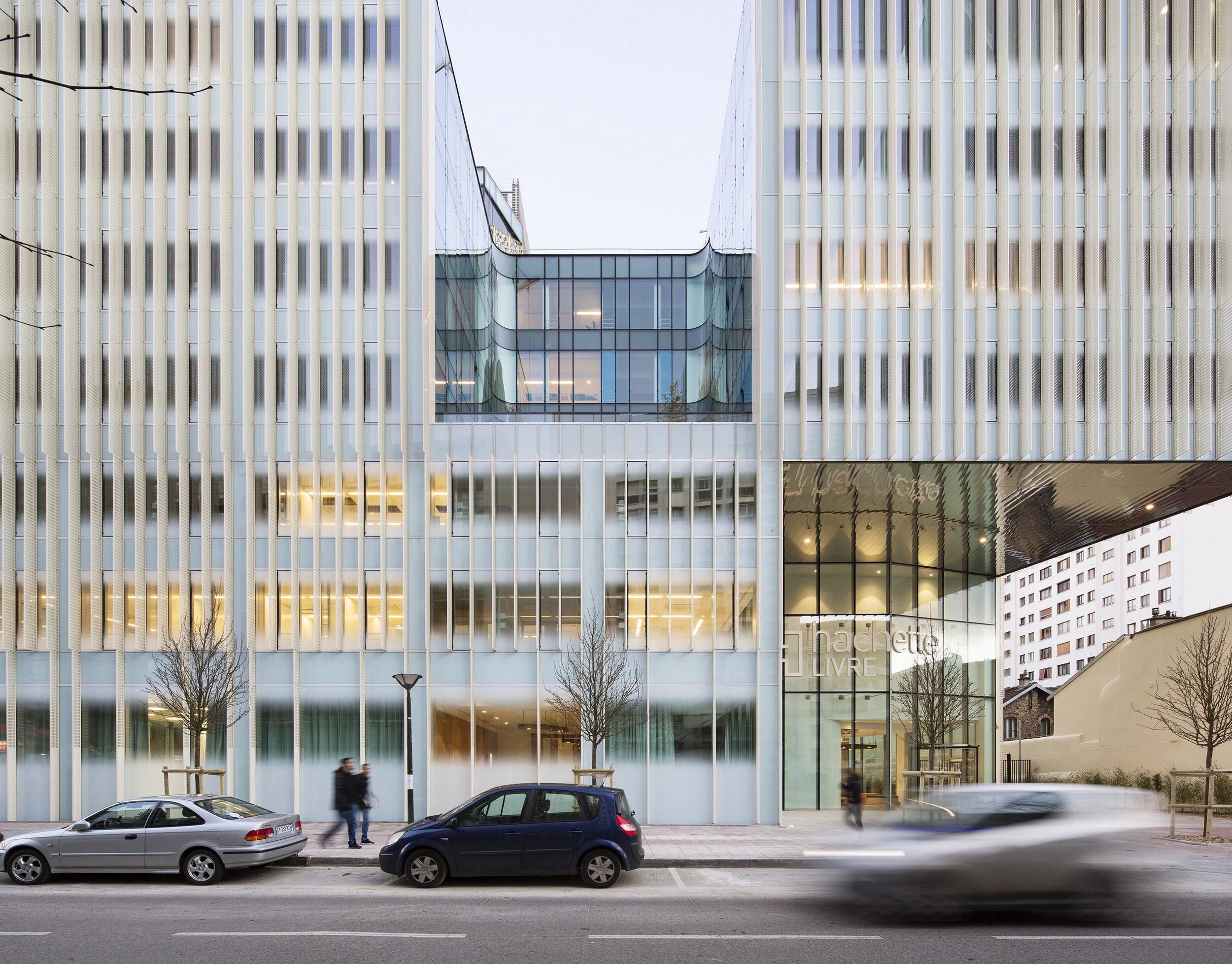 Hachette Livre Headquarters in Vanves