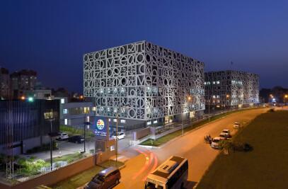 THE NEWTOWN SCHOOL