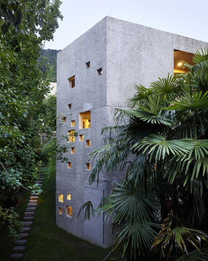 New concrete house in Caviano | Wespi de Meuron Romeo Architects