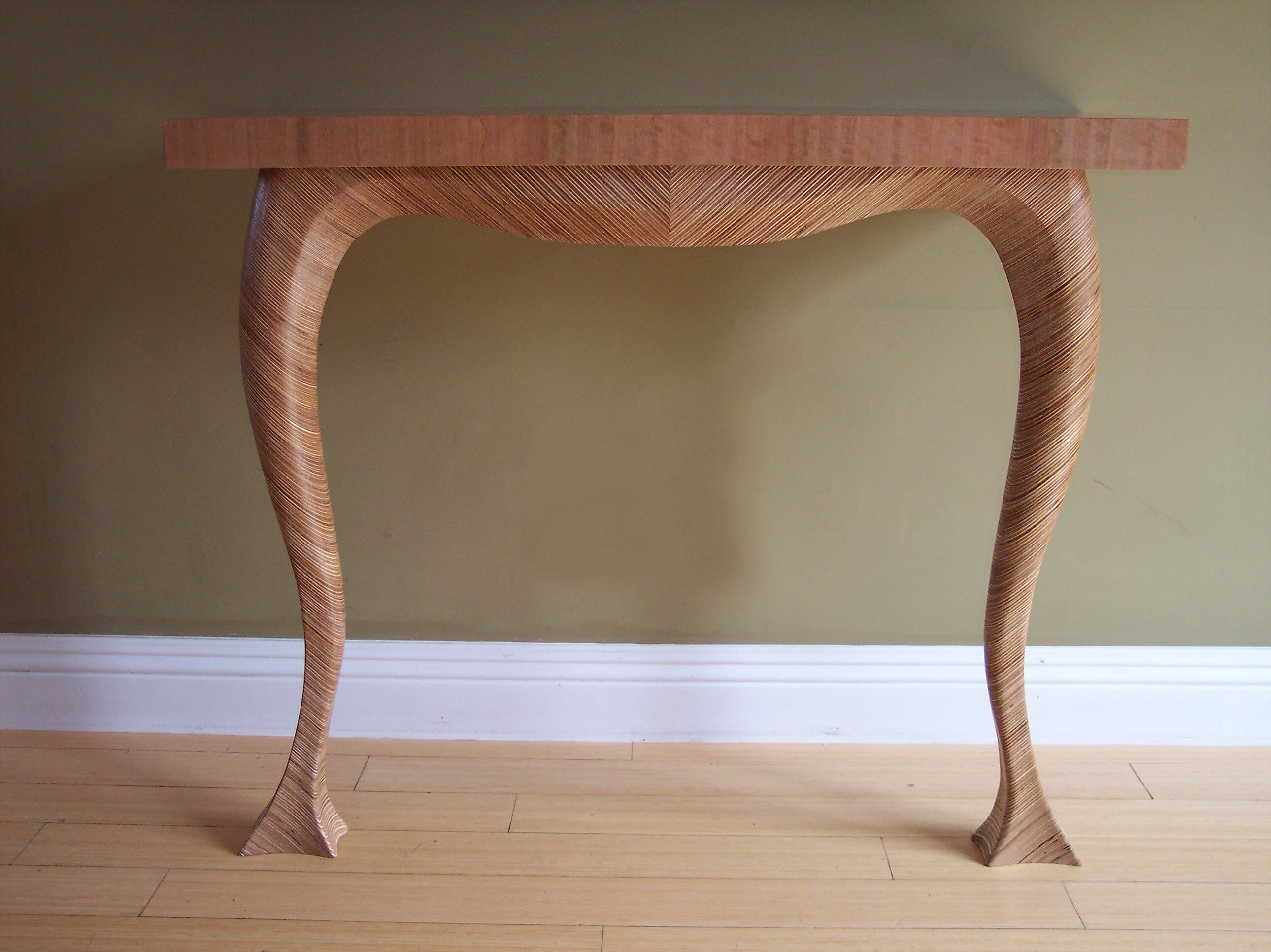 Plywood Curve Table