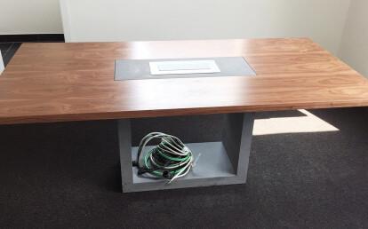 Elevato in meeting room