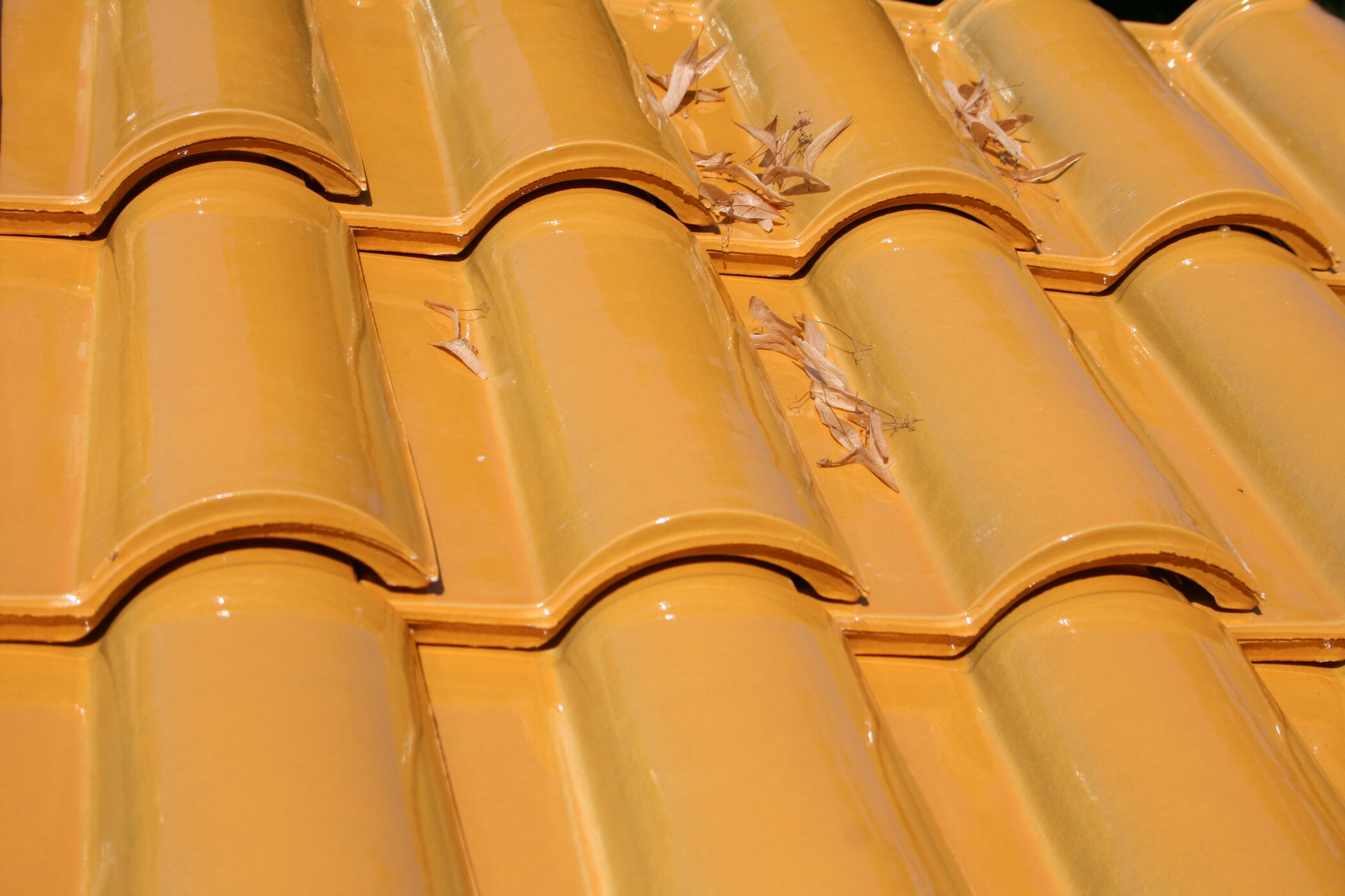Varnished Single Cooked Roof Tiles