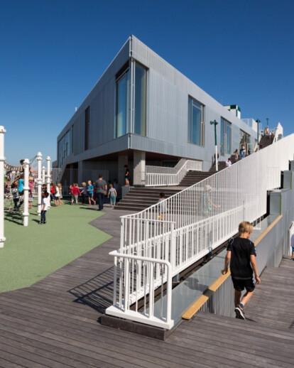 THE SCHOOL IN SYDHAVNEN