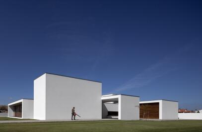 Aradas House