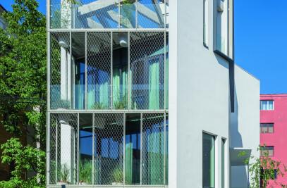 URBAN ECO HOUSE  ALEXANDRINA