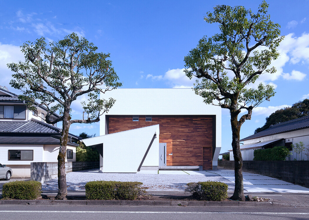 I3-house [ Modeling on the hill ]