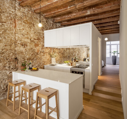 Interior renovation of an apartment in Les Corts (for Yuna Tau and Misha)