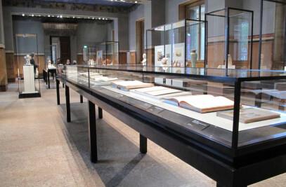 Neues Museum Berlin exhibition design and graphic design