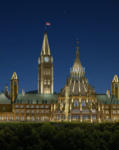 Ottawa's Parliamentary Precinct, a jewel in the night