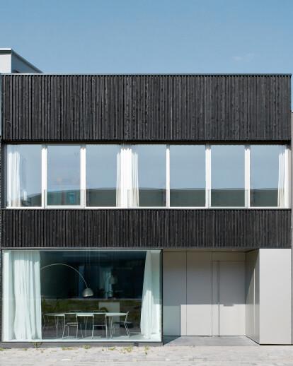 V13K05 - private house