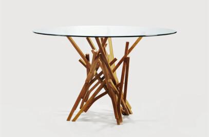 Guaimbê Table