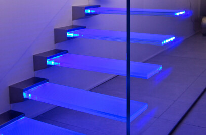 Madras® Pixel Flooring for anti-slip glass stairs