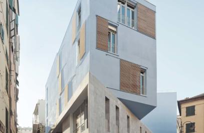 New School in Piazza delle Erbe