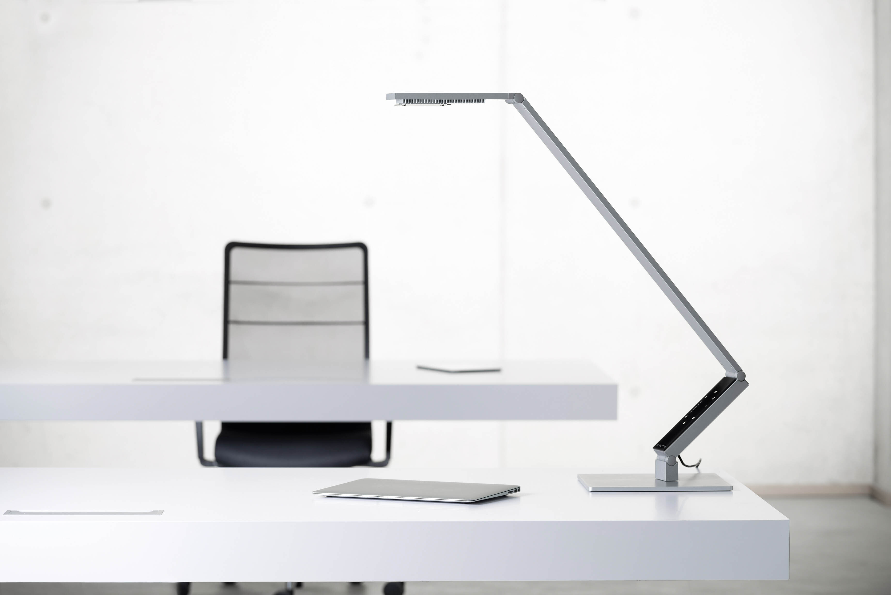 LUCTRA® TABLE PRO