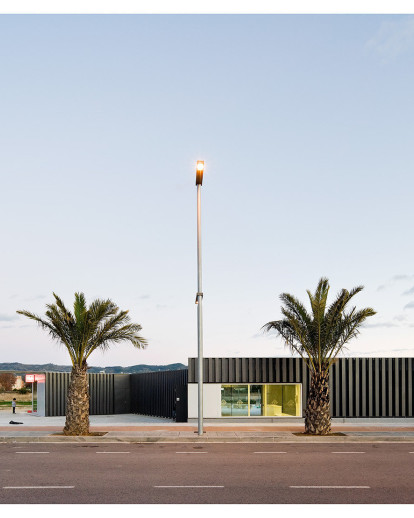 Exterior Swimming Pool and changing room in Jesús, Tortosa