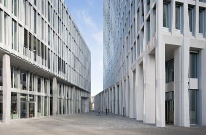 Office Building Monnet 4