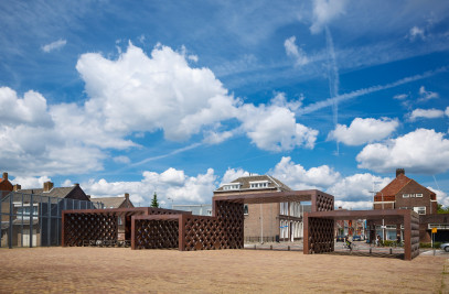 New exhibition wing and entrance gate ]for De Pont museum