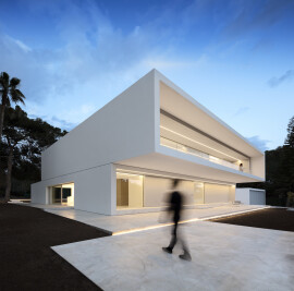 HOUSE BETWEEN THE PINE FOREST