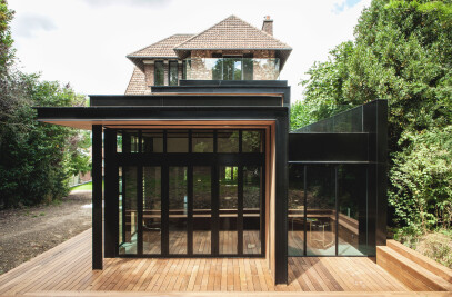 Single house in Haut de Seine renovation and extension