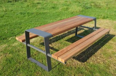 THE MURTON TABLE