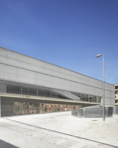 BARCELÓ MARKET, LIBRARY AND SPORTS HALL
