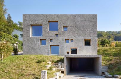 New concrete house in Füllinsdorf