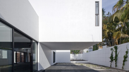 House and Studio in Mar Chapálico | ATELIER ARSº | Archello