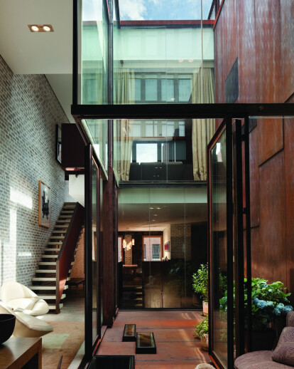 Inverted Warehouse/Townhouse