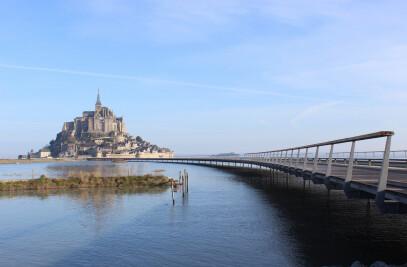 Mont-Saint-Michel - Walking on water