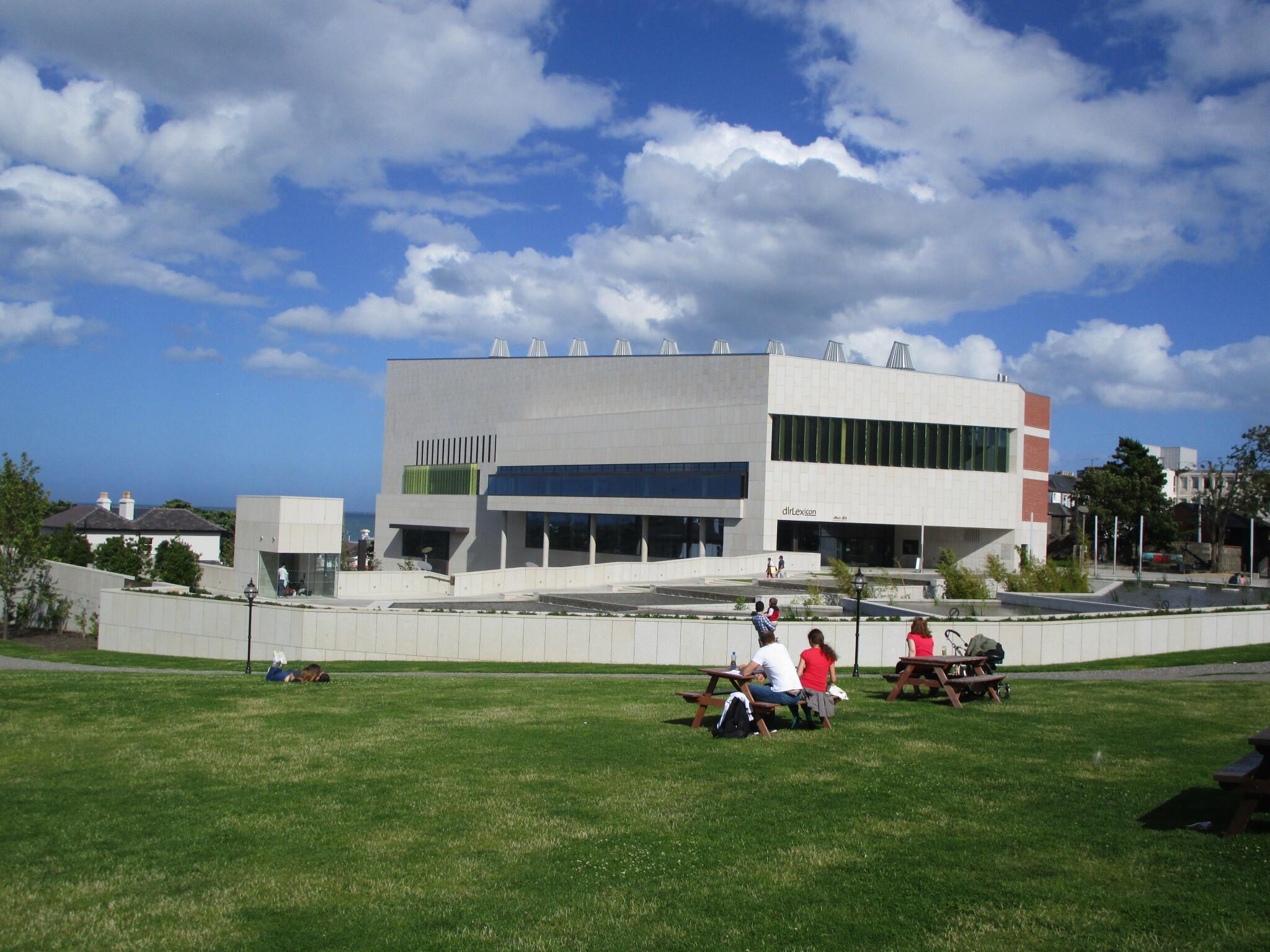 dlr LexIcon. Contemporary library