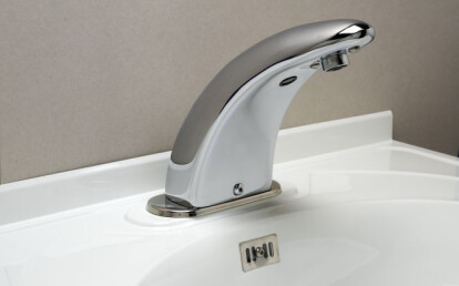 Wavetronic electronic faucet