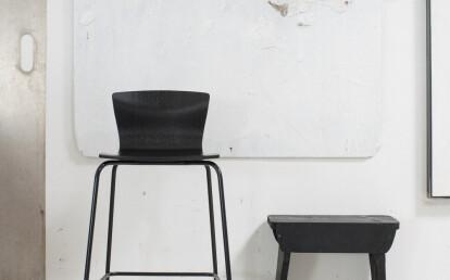 Butterfly bar chair