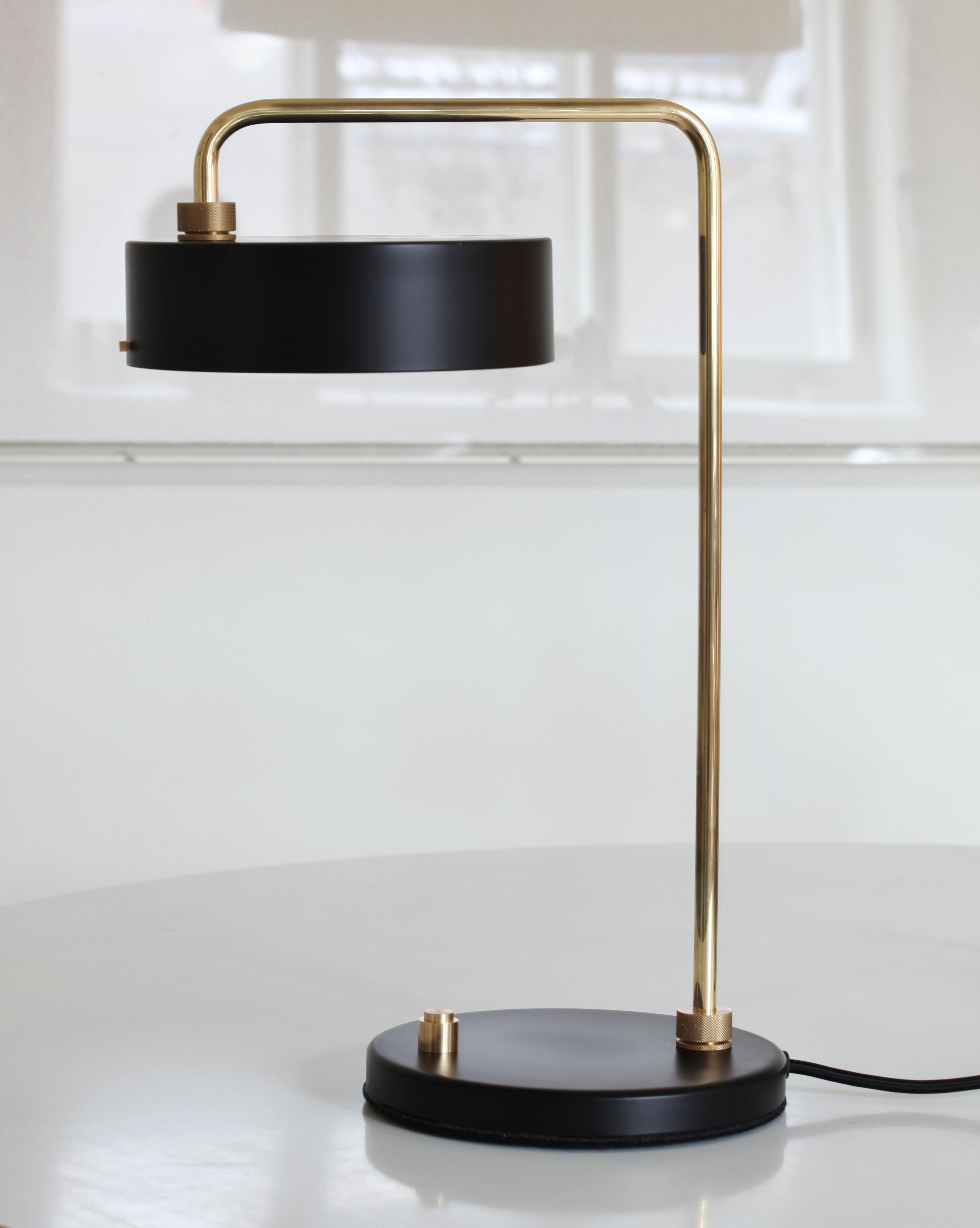 Petite Machine Table black