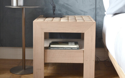 SOFIA night table with drawer