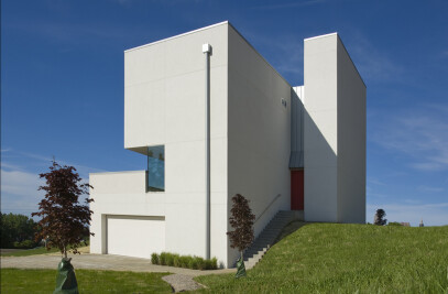 C-House