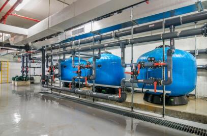 חדרי מכונות ומערכות בריכות שחייה