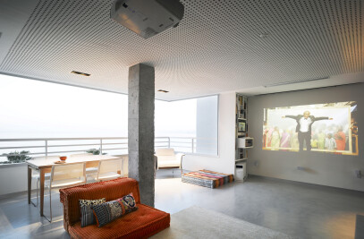 Loft In Front of The Beach