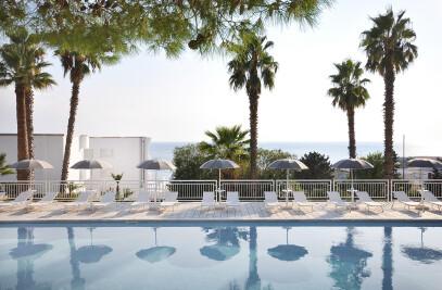 Riviera Grand Hotel