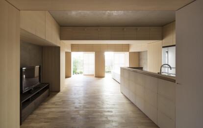 PERSIMMON HILLS architects / Yusuke Kakinoki + Shuhei Hirooka